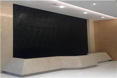 室内元宝池黑色水幕墙